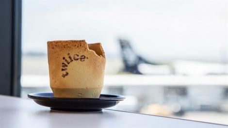 Hàng không New Zealand thử nghiệm cốc cà phê ăn được