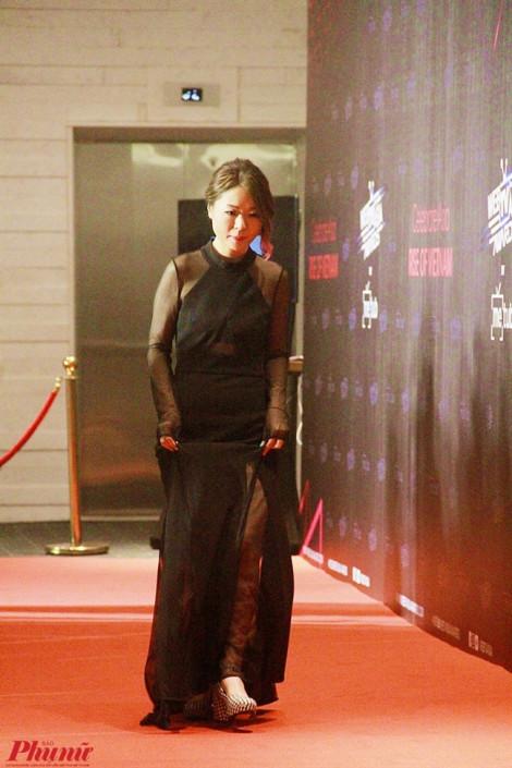 Fiona Fung giản dị lần đầu tới Việt Nam, song ca cùng Đen Vâu