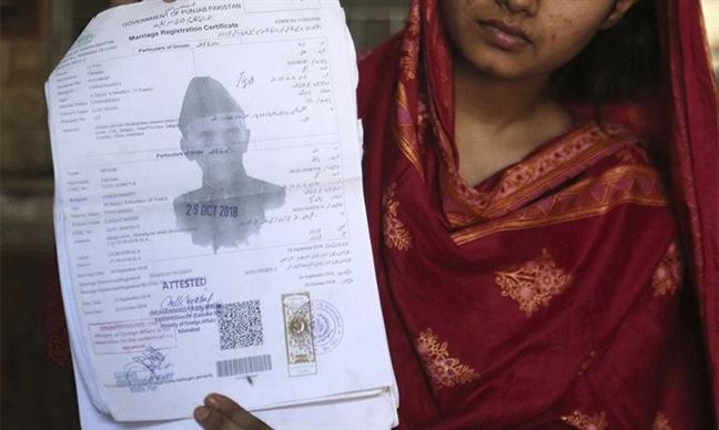 Trung Quoc bac tin gan 630 be gai va phu nu Pakistan bi ban sang nuoc nay
