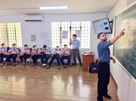 Đủ loại bổ trợ học tiếng Anh: Học sinh đừ, phụ huynh đuối