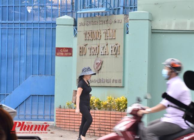 Giam doc So noi ve vu can bo Trung tam Ho tro xa hoi dam o tre em: 'That ra nhieu can bo co tam long thuong nguoi...'