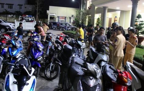 Tạm giữ 200 xe máy 'đi bão' sau chiến thắng của U22 Việt Nam