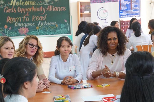Cuu de nhat phu nhan My Michelle Obama gian di xuat hien tai Viet Nam
