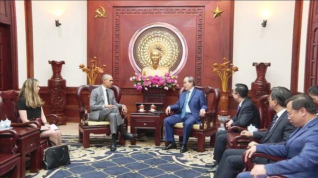 Bi thu Thanh uy TP.HCM Nguyen Thien Nhan tiep cuu Tong thong Barack Obama