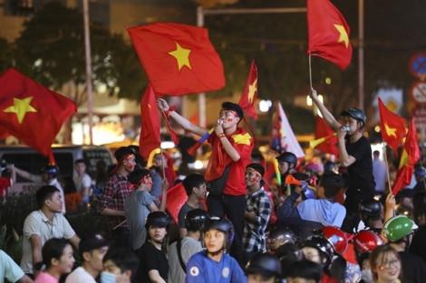 Cấm đường, bố trí trinh sát ghi hình các đối tượng quá khích, đua xe trái phép sau trận chung kết Việt Nam - Indonesia