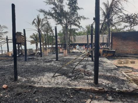 4 nhà hàng ven biển Hội An bị lửa thiêu rụi, thiệt hại hàng tỷ đồng