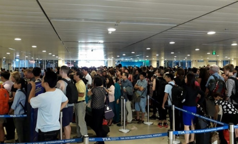 Các sân bay sẽ hạn chế người đón, tiễn người thân dịp Tết