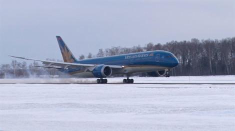 Máy bay Vietnam Airlines hạ cánh khẩn cấp xuống Ấn Độ vì hành khách đau bụng