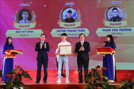 3 thí sinh đoạt giải Nhất cuộc thi 'Tuổi trẻ học tập và làm theo Bác' năm 2019