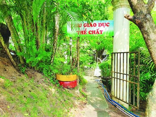 Xa hoi hoa giao duc tai Quang Ngai - Bien khu vui choi trong truong hoc thanh quan ca phe