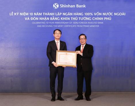 Ngân hàng Shinhan Việt Nam vinh dự đón nhận bằng khen của Thủ tướng Chính phủ
