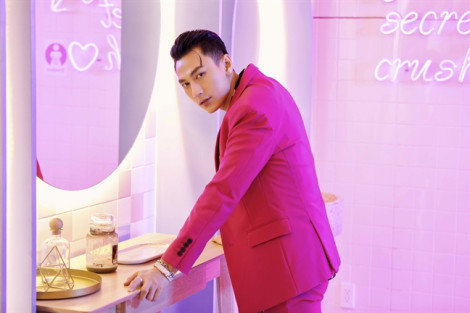 Isaac khiến phái đẹp rung rinh với loạt trang phục rực rỡ trong MV mới