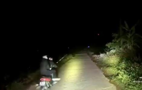 Dàn cảnh tai nạn, gọi cấp cứu giữa đêm để tấn công xe cứu thương