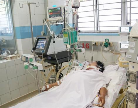 Nhiều bệnh nhân sốt xuất huyết trở nặng do tự điều trị