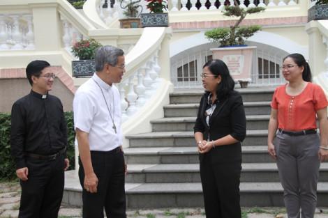 Hội LHPN TPHCM thăm 30 cơ sở tôn giáo trên địa bàn Thành phố nhân dịp Giáng sinh