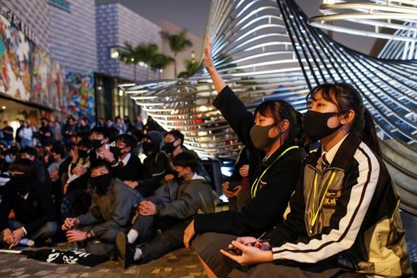 Canh sat Hong Kong phong toa 10 trieu USD trong quy dung cho phong trao bieu tinh