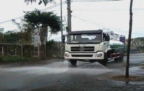 TP.HCM sẽ tiếp tục xịt rửa nhiều tuyến đường chính để ứng phó ô nhiễm không khí