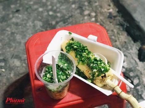 Ăn bắp nướng cũng phải 'bốc số' ngồi chờ, chẳng ai kiên nhẫn bằng người Sài Gòn