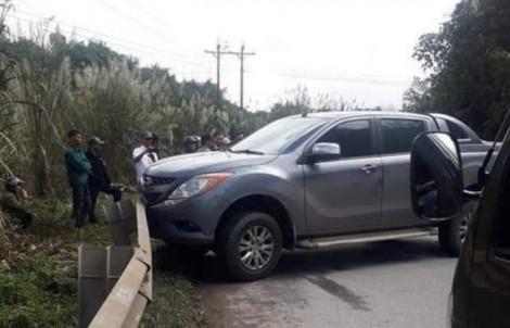 Công an Quảng Bình đang truy bắt kẻ vất xe chạy trốn, bỏ lại 9 bao tải ma túy