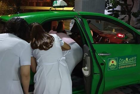 Tài xế taxi cứu người và đỡ đẻ cho khách trong cùng đêm ở Sài Gòn
