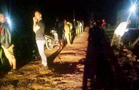 Trai làng hỗn chiến vì đèn pha xe máy chiếu vào mặt