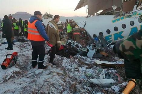 Máy bay chở 100 người gặp tai nạn ngay khi vừa cất cánh tại Kazakhstan