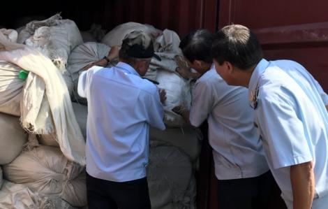3 container hàng Trung Quốc giả hàng Việt Nam xuất đi Mỹ