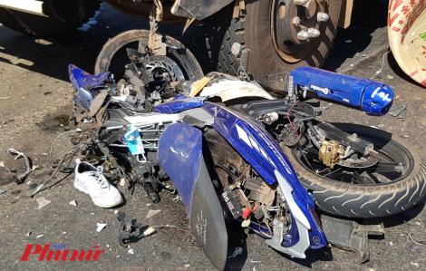 Nam thanh niên tử vong sau cú đấu đầu kinh hoàng với xe tải