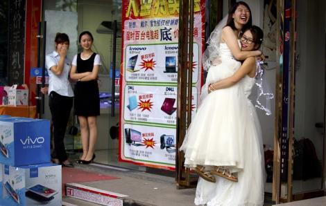 Trung Quốc bắt đầu bật đèn xanh cho hôn nhân đồng giới