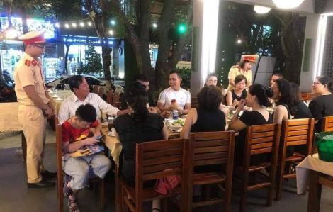 Đà Nẵng: CSGT dừng việc tuyên truyền nghị định 100 trong quán nhậu