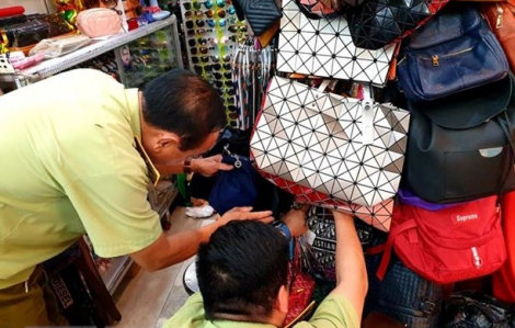 Túi Gucci, Louis Vuitton, Chanel... tại Saigon Square, Lucky Plaza có dấu hiệu giả mạo
