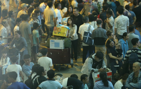 Sân bay Tân Sơn Nhất phục vụ 3,8 triệu lượt khách dịp Tết