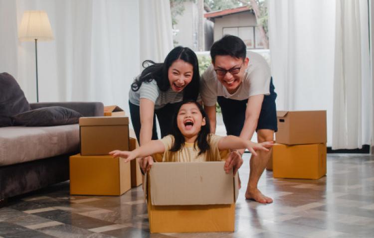 Cặp đôi sống thử: Ai về sum vầy với cha mẹ, ai cô đơn ôm con suốt tết?