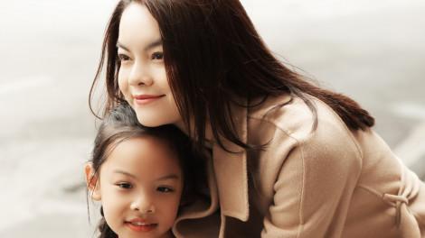 Diện đồ đôi ngày tết đồng điệu như mẹ con Phạm Quỳnh Anh