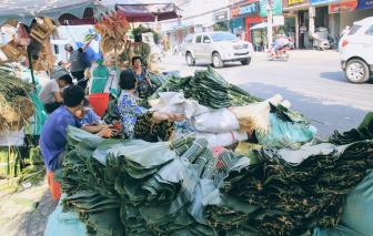 Chợ lá dong Sài Gòn co cụm, đìu hiu vì giá thịt heo tăng cao