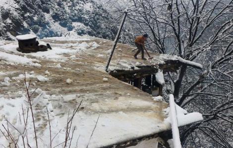 Tuyết lở khiến ít nhất 62 người thiệt mạng tại vùng Kashmir của Pakistan