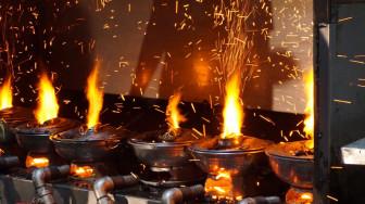 Sum họp gia đình bên nồi lẩu cá 'cù lao' nổi tiếng khu Chợ Lớn