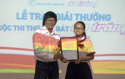 Nữ sinh lớp 10 trường Trưng Vương đoạt giải đặc biệt thơ lục bát Áo Trắng