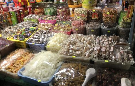 Thực phẩm 'nhà làm' thì để ở nhà ăn, mang ra bán phải chịu trách nhiệm
