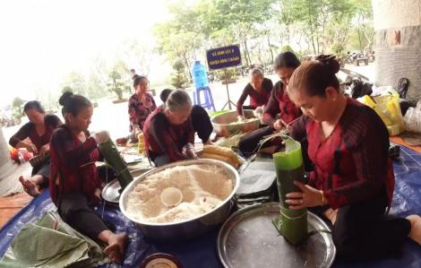Video: Con cháu tề tựu về Khu Tưởng niệm các Vua Hùng gói - nấu bánh Tét mừng xuân