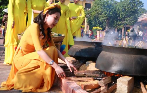 Vào Đại Nội xem Hương xưa Tết cũ tụ miền kinh đô