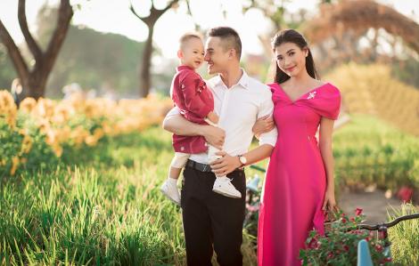 Gia đình sao Việt xúng xính quần áo xuống phố mùa xuân