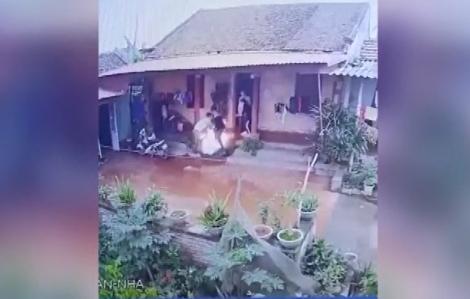 Con rể mang xăng đốt nhà bố vợ vì vợ đòi ly hôn