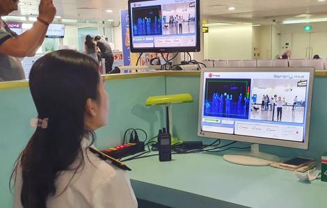 Sở Y tế TPHCM 'trực chiến' tại sân bay Tân Sơn Nhất chống virus corona