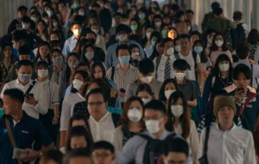 Hành khách Trung Quốc 'khoe' uống thuốc hạ sốt để qua mặt nhân viên sân bay ở Pháp