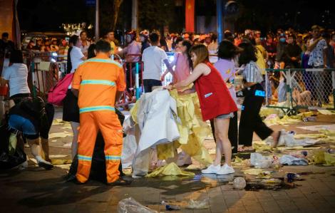 Biển rác hậu pháo hoa: Sài Gòn còn rất nhiều người tử tế