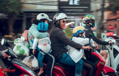 Ám ảnh kẹt xe, người miền Tây trở lại Sài Gòn vào Mùng 4 Tết