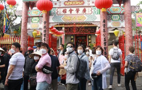 Hội An họp khẩn phòng chống viêm phổi Vũ Hán, công bố đường dây nóng