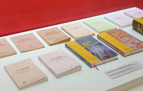 Triển lãm sách kỷ niệm 90 năm thành lập Đảng