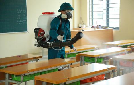 Hà Nội phun thuốc khử trùng tại trường học để phòng tránh dịch bệnh corona